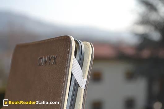 Onyx Boox i62HD FireFly: la custodia a libretto è di buona qualità