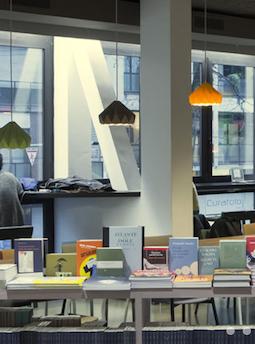 Un'immagine sulla Libreria Open di Milano
