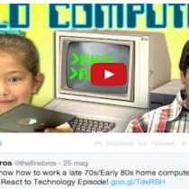 Le reazioni dei bambini americani davanti a un vecchio computer