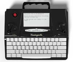 La Hemingwrite, macchina per scrivere a inchiostro elettronico.