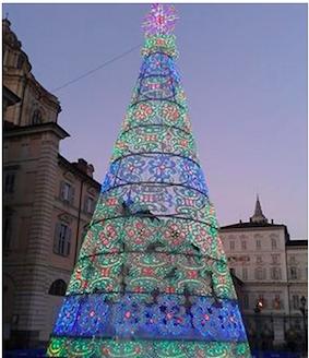 Natale 2014: l'albero di Natale in piazza Castello a Torino.